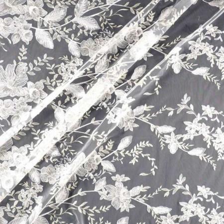 White bordado hilo metalico